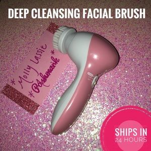 Other - PINK FACIAL CLEANSING BRUSH SET 💗